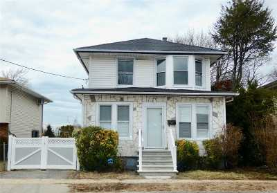 Hempstead Single Family Home For Sale: 41 Peters Ave