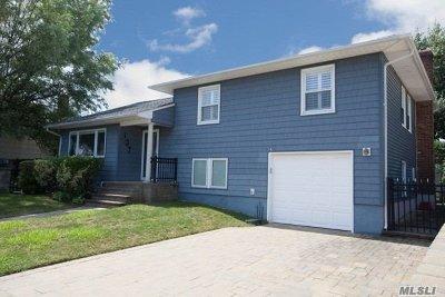 Long Beach NY Single Family Home For Sale: $769,000