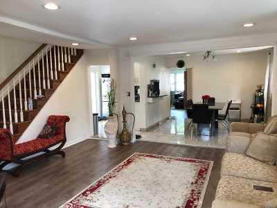 Franklin Square Multi Family Home For Sale: 62 Monroe St