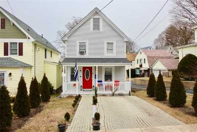 Oyster Bay Single Family Home For Sale: 37 Weeks Ave