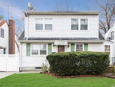 Fresh Meadows Single Family Home For Sale: 167-08 Metcalf Ave