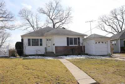 N. Bellmore Single Family Home For Sale: 1638 Dewey Ave