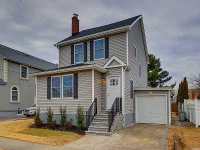Massapequa Single Family Home For Sale: 19 Sunset Rd