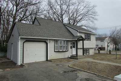 Roosevelt Single Family Home For Sale: 90 Stevens St