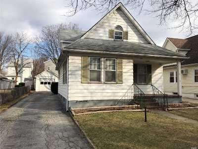 Floral Park Single Family Home For Sale: 107 Terrace Ave