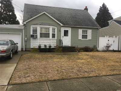 East Meadow Single Family Home For Sale: 2282 5th St