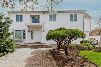 Merrick Single Family Home For Sale: 2631 Riverside Ave