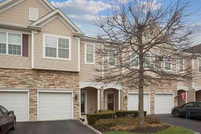 Bay Shore Condo/Townhouse For Sale: 10 Virginia Pine Ln