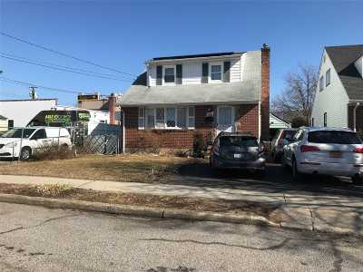 New Hyde Park Single Family Home For Sale: 4 S 11th St