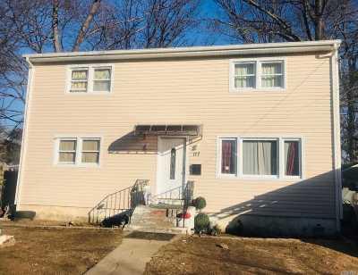 Roosevelt Single Family Home For Sale: 117 Underhill Ave