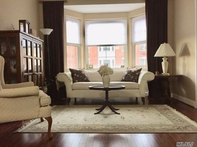 East Meadow Condo/Townhouse For Sale: 50 Merrick Ave #206