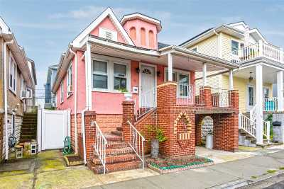 Long Beach NY Single Family Home For Sale: $425,000