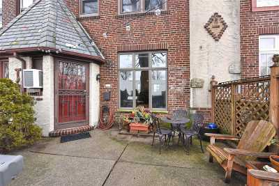 Flushing Single Family Home For Sale: 40-43 172nd St