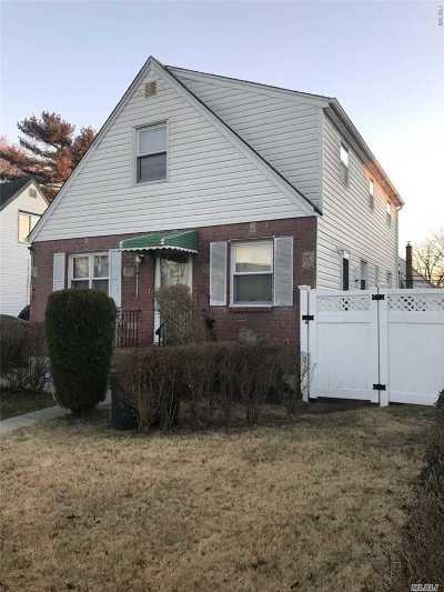 Uniondale Single Family Home For Sale: 486 Hempstead Blvd