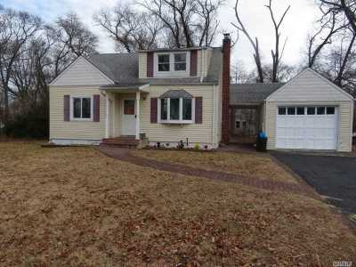 Centereach Single Family Home For Sale: 38 S Washington Ave