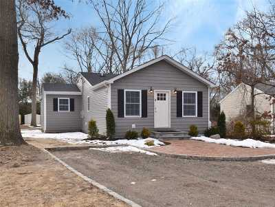 Smithtown Single Family Home For Sale: 25 Pineacre Dr
