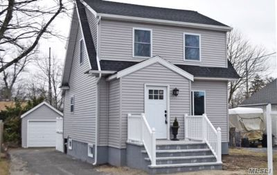 Patchogue Single Family Home For Sale: 21 Highland Ave