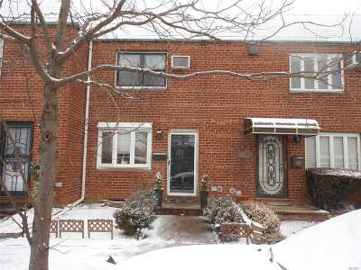 Flushing Single Family Home For Sale: 2544 Bayside Lane