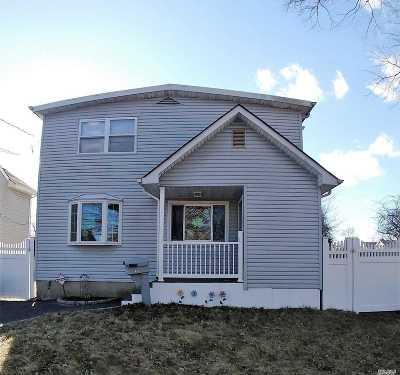 Islip  Single Family Home For Sale: 72 Wilson Blvd