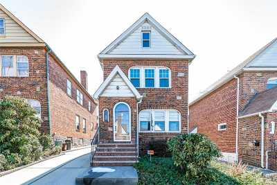 Fresh Meadows Single Family Home For Sale: 161-12 59th Ave