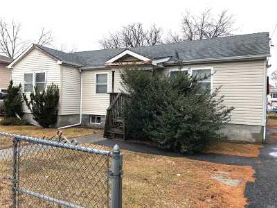 W. Babylon Single Family Home For Sale: 1157 Little East Neck Rd