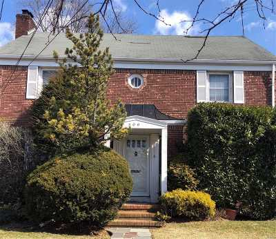 Woodmere Single Family Home For Sale: 306 Westwood Rd