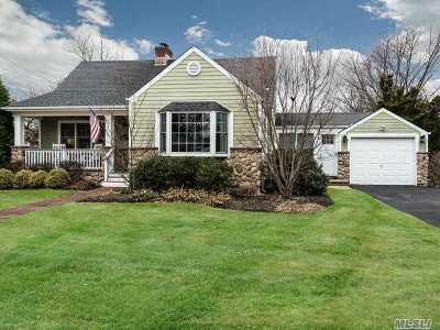 Babylon Single Family Home For Sale: 42 S Little East Neck Rd