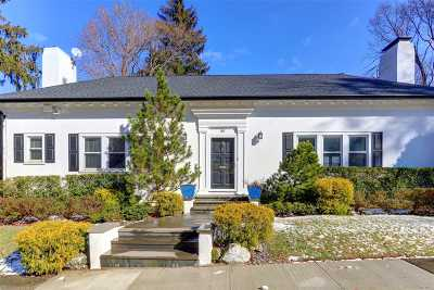 Great Neck Single Family Home For Sale: 88 Beverly Rd