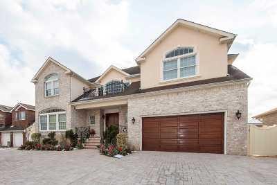 Merrick Single Family Home For Sale