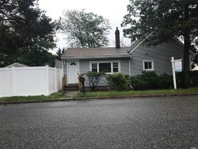 Pt.jefferson Sta Single Family Home For Sale: 51 Norwood Ave