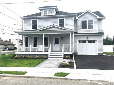 Bethpage Single Family Home For Sale: 12 Central Blvd