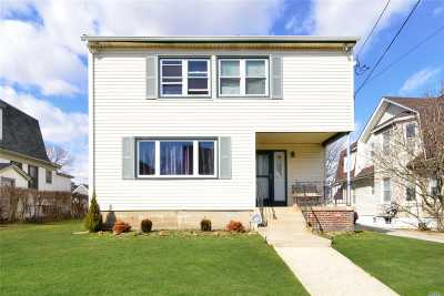 Lawrence Single Family Home For Sale: 210 Spring St