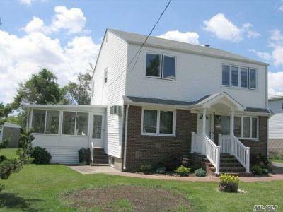 N. Massapequa Multi Family Home For Sale: 204 N Hickory St