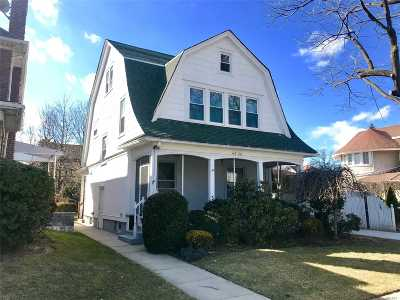 Bayside Single Family Home For Sale: 40-30 205th St