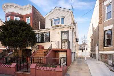 Brooklyn Multi Family Home For Sale: 160 Eldert Ln