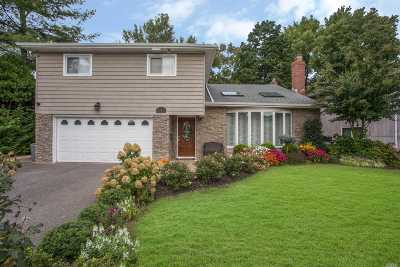 Hewlett Single Family Home For Sale: 11 Geoffrey Ln