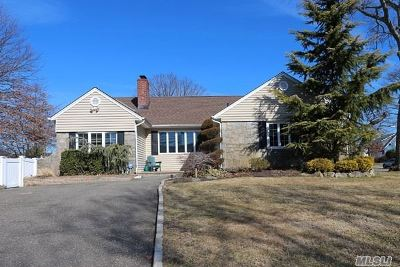 Wantagh Single Family Home For Sale: 3295 Woodward Ave