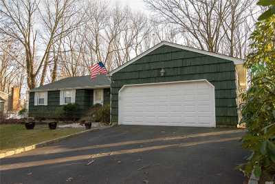 Port Jefferson Single Family Home For Sale: 10 Corie Ct