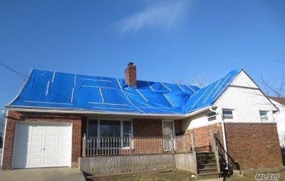 Freeport Single Family Home For Sale: 644 S Long Beach Ave