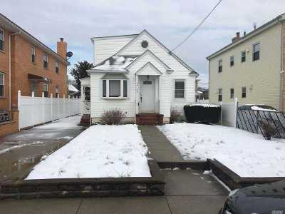 Bayside Single Family Home For Sale: 34-43 200th St
