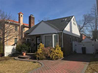 Little Neck Single Family Home For Sale: 57-31 255 St