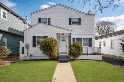 Wantagh Single Family Home For Sale: 1995 Oakland Ave