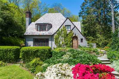 Lloyd Harbor Single Family Home For Sale: 25 Beattie Ct