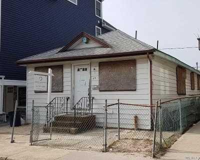 Long Beach NY Single Family Home For Sale: $270,800