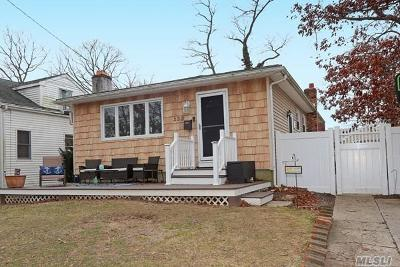 West Islip Single Family Home For Sale: 333 Hyman Ave