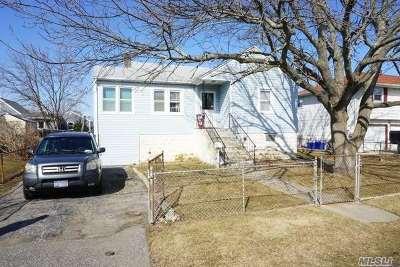Lindenhurst Single Family Home For Sale: 16 Wilson Pl