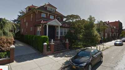Astoria Single Family Home For Sale: 25-39 41st St