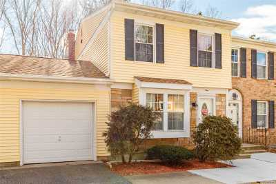 Yaphank Condo/Townhouse For Sale: 1 Thornton Commons