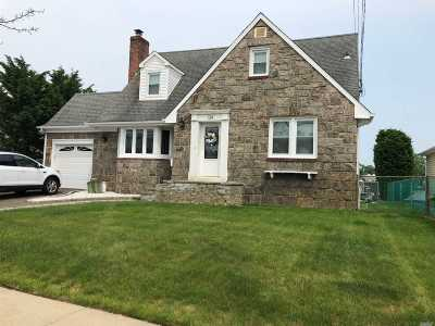 Massapequa Single Family Home For Sale: 139 Alhambra Rd