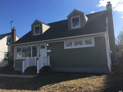 Hempstead Single Family Home For Sale: 50 Downs Rd